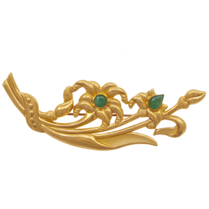 Jade, 22k Yellow Gold Flower Brooch