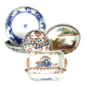Group of Six Japanese Porcelain Items, 18th/19th Century