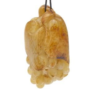 Jade 'Grape' Toggle, Qing Dynasty